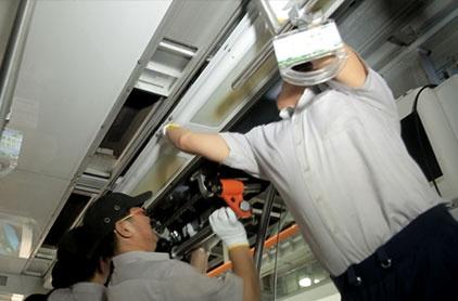 high speed train vehicle door maintenance references top.jpg 1057494141